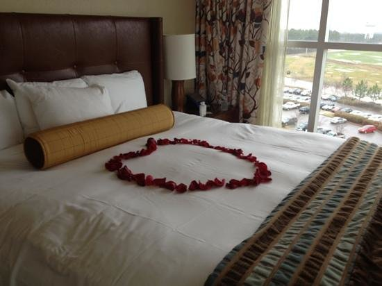 Wind Creek Casino & Hotel, Atmore:                   room 717! gorgeous anniversary welcome!
