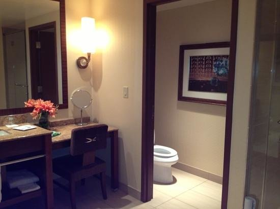 Wind Creek Casino & Hotel, Atmore:                   huge suite bathroom! loved it!