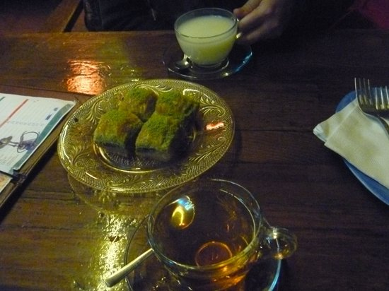Cafe Marmara:                   Tea and baklava