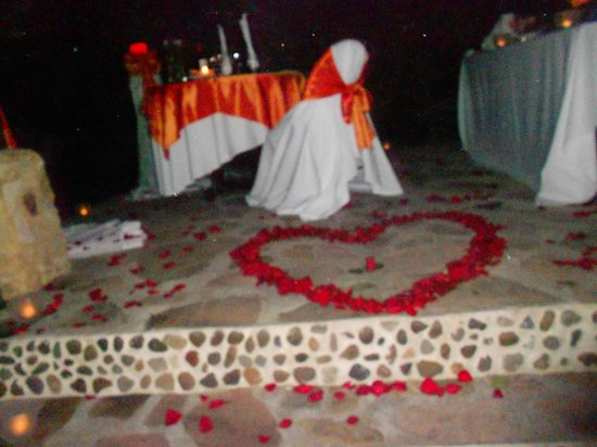 Nayara Hotel, Spa & Gardens:                   Private romantic dinner at Rancho Pura Vida