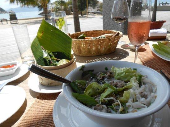 An Lam Ninh Van Bay Villas:                   Pho