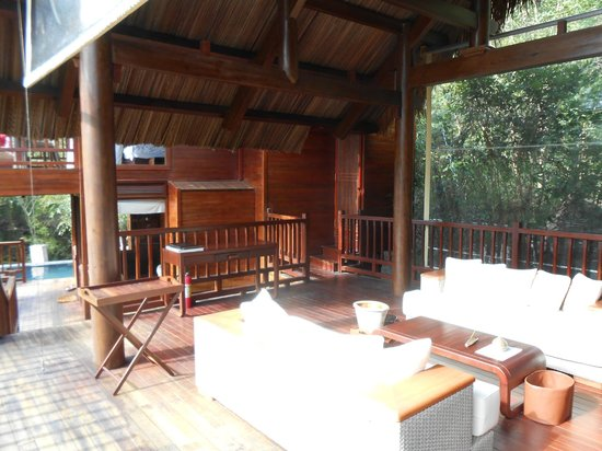 An Lam Ninh Van Bay Villas:                   lounge in villa 33