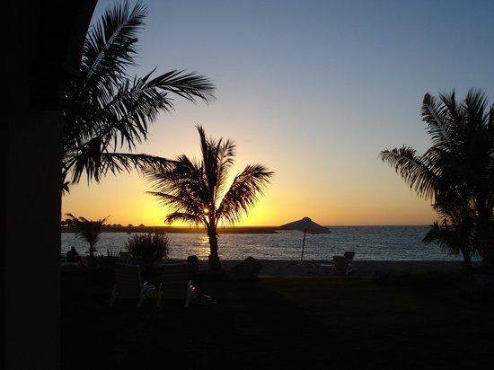 Hilton Ras Al Khaimah Resort & Spa:                   sunset near the Dhow Bar