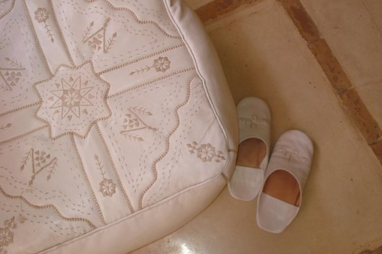 AnaYela:                   the complimentary slippers