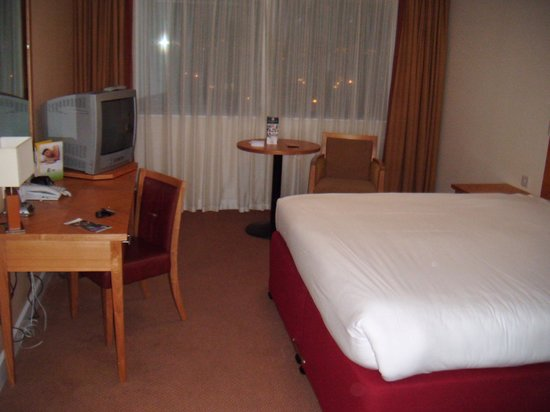 Aspect Hotel Dublin Parkwest:                   Room