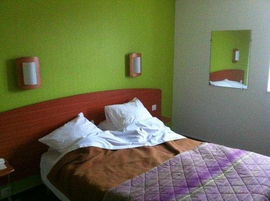 Hotel de la Baie des Trepasses:                   Une chambre à 70 € vue sur le parking