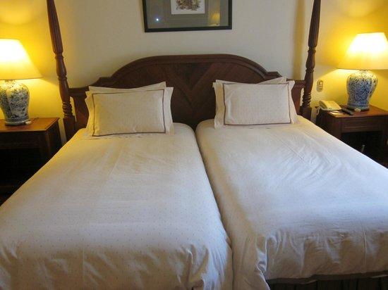 Settha Palace Hotel:                   Mitt rum blev ett såkallat De luxe kostnad 1500 SEK/Natt