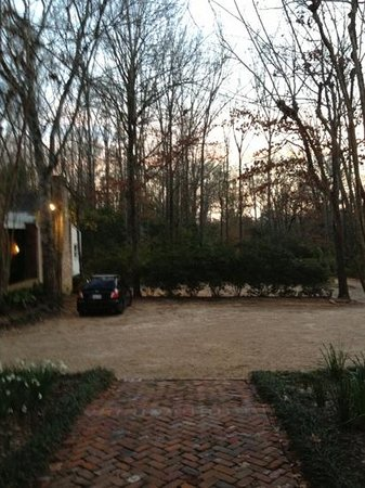 Monmouth Historic Inn Natchez:                   view from out front of plantation building. the bfast suite is just next to ou