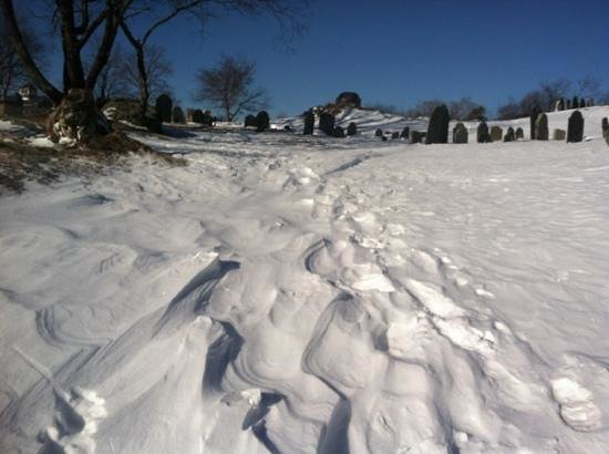 Old Burial Hill : frozen in time. really.
