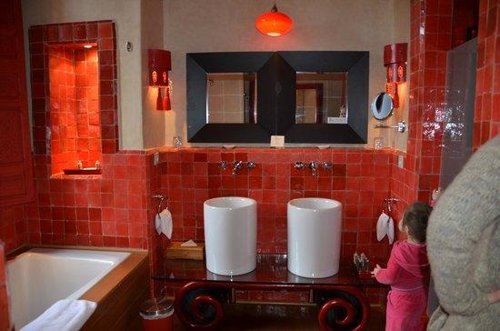 tigmiza suites pavillons salle de bains suite asiatique