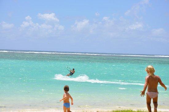ออร์คิดวิลล่าส์เมอริทัส:                   Kite Surf sulla Spiaggia di Belle Mare a 2 passi dalla Villa