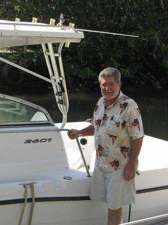 Casa Virgilios: Virgilio and his boat