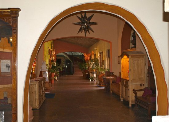 La Posada Hotel:                   Hallway leading to west wing