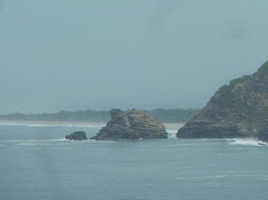 vista de playa ventanilla desde punta cometa