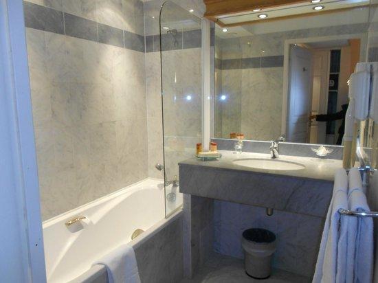 Sun Riviera Hotel:                   banheiro