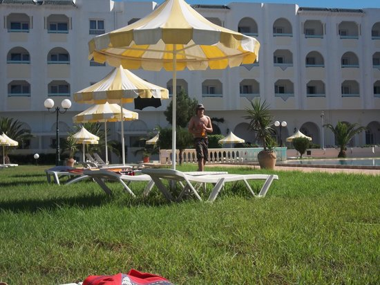 Hotel Green Golf:                   Poolside