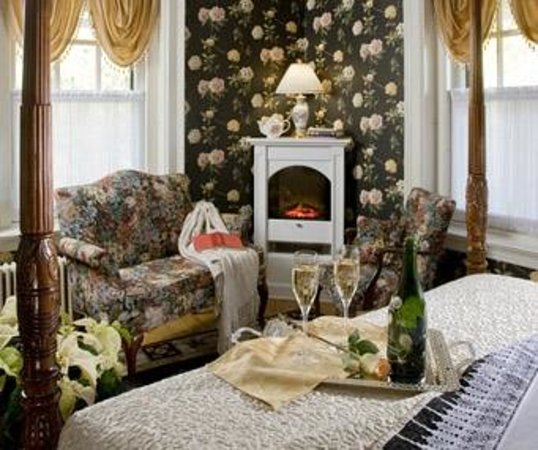 King's Cottage Bed & Breakfast: Duchess Room