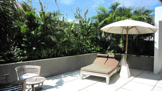 Nyaman Villas: Terrasse suite parentale