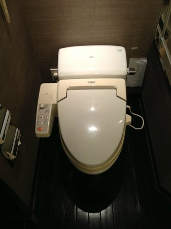 The Strings by InterContinental Tokyo:                   Heated toilet seat, they should be a must everywhere!