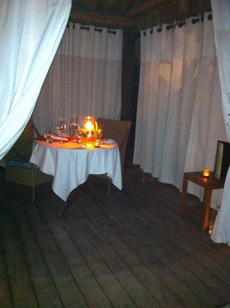 The Palms Hotel & Spa:                   Private cabana dinner