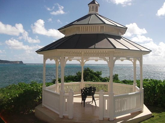 St. James's Club:                   Gazebo overlooking the Atlantic