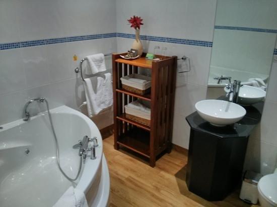 Herriots Hotel : Room 21 bathroom