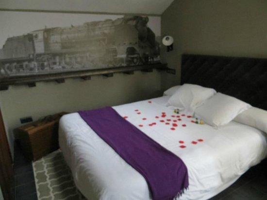 Hotel Rural La Viña: preparacion de la cama