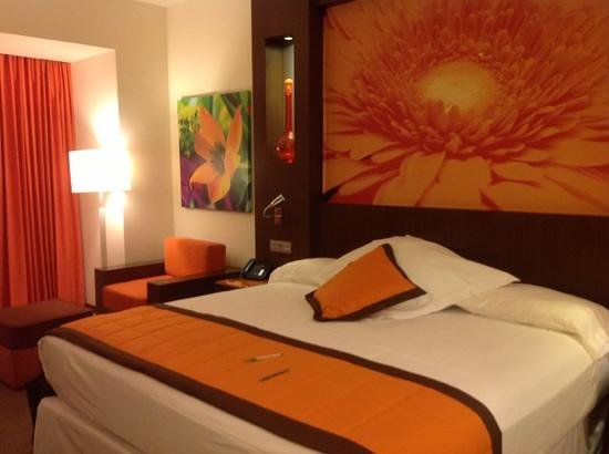 Hotel Riu Plaza Guadalajara :                   big comfortable room