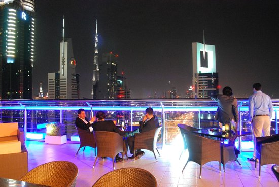 Four Points by Sheraton Sheikh Zayed Road, Dubai :                   Roof Bar/terrace