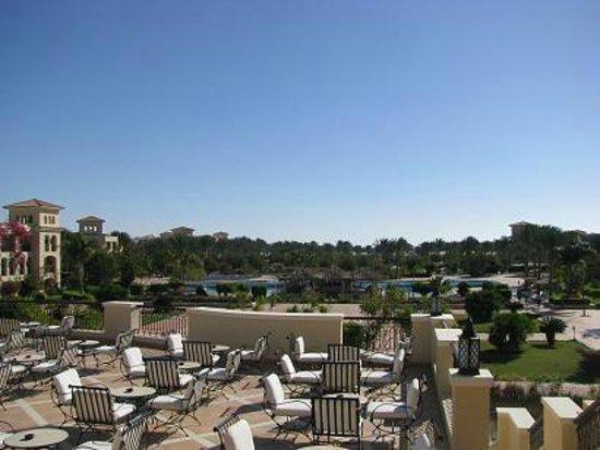 Jaz Mirabel Beach:                   widok na teren hotelu
