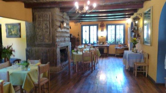 Tesoros de Chile Restaurant:                   Inside (Tesoros de Chile)