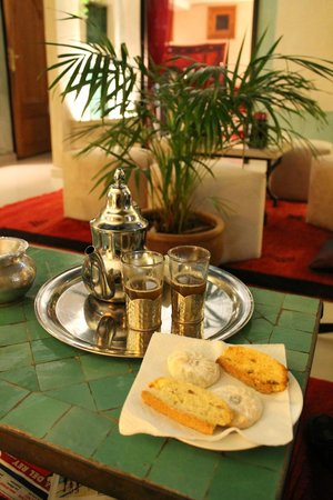 L'Heure d'Ete:                                     Welcoming mint tea in the courtyard