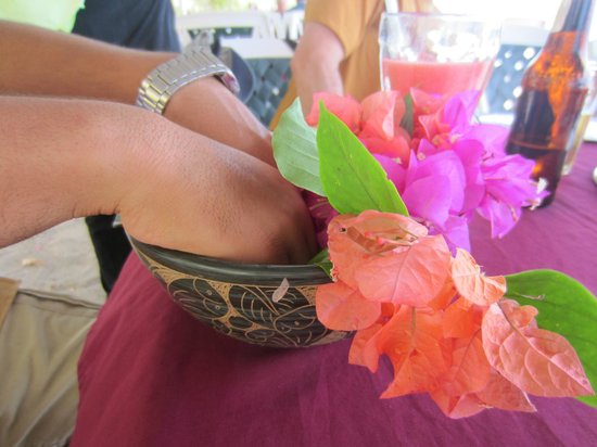 Camaron Dorado: Pre-meal hand wash