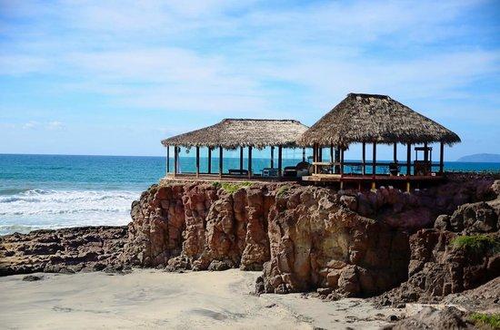 Castillos del Mar: Palapas para cualquier tipo de evento, con una excelente vista al mar..