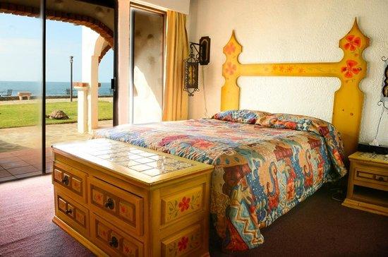 Castillos del Mar: Habitación sencilla con vista al mar, y terrazita exclusiva.
