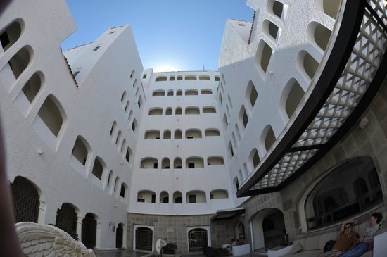 GR Caribe by Solaris:                   Fisheye view of the courtyard and tower