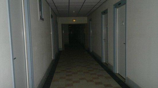 Maison Saint Anthelme :                   Corredores escuros
