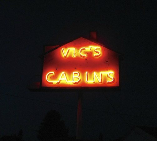 Kearsarge, MI:                                     Cool neon sign on US 41