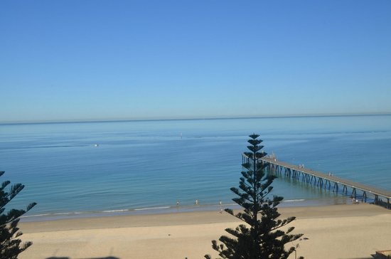 Stamford Grand Adelaide:                   camera vista mare al mattino