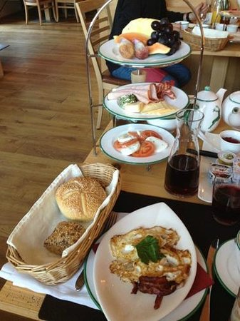 Der Waldhof:                   Didn't need to order the bacon and eggs