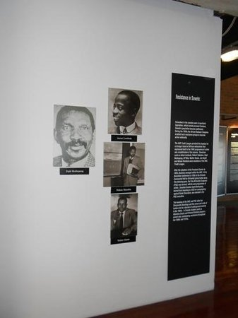 Hector Pieterson Museum:                   dentro do Museu