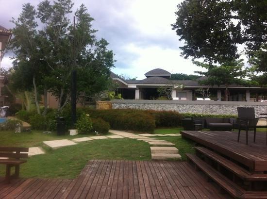Amorita Resort: pool/ the saffron