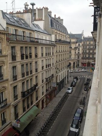 Mercure Paris Opera Garnier:                   view from room