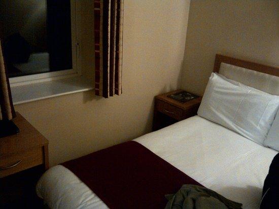 The Pier Hotel, Limerick: chambre petite