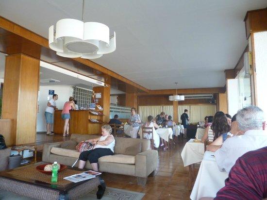 Hotel Genoves:                   Desayunador,frente al mar!!
