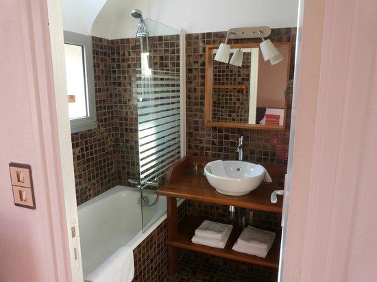 Carnac Lodge & Hotel : la salle de bain