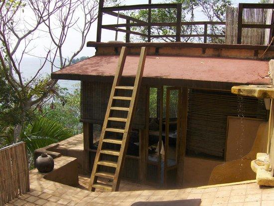 """Majahua Hotel Selva:                   Desde el área para tomar el sol de la suite """"La Torre"""""""