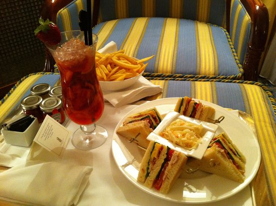 The Ritz-Carlton, Moscow:                   Room service