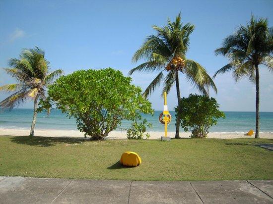 Nirwana Gardens - Mayang Sari Beach Resort: spiaggia mayang