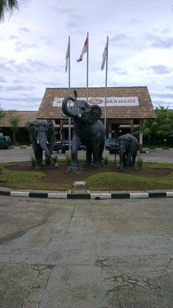 Nirwana Gardens - Mayang Sari Beach Resort: ingresso nirwana